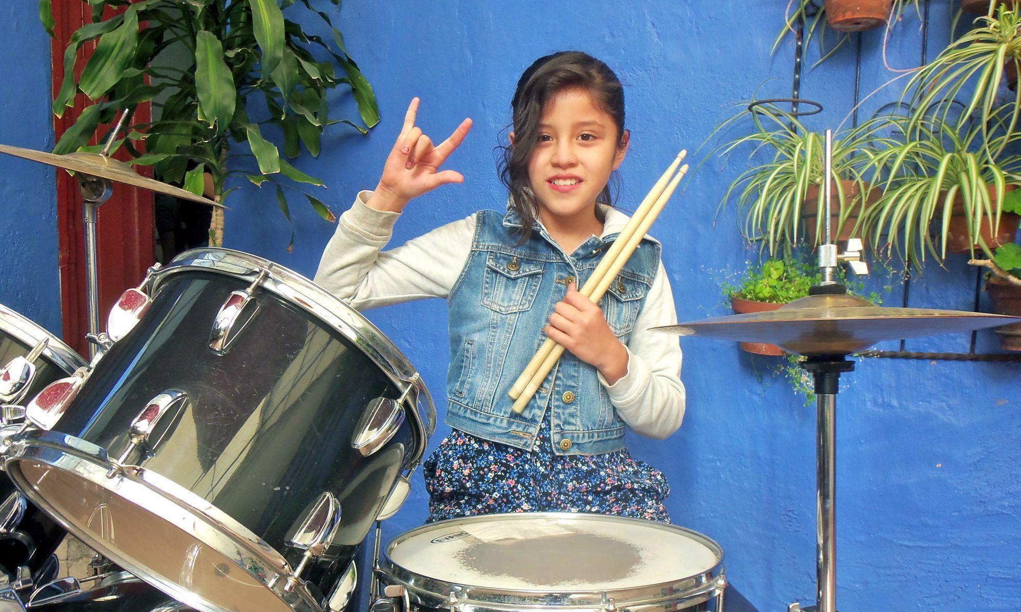 Aprende a tocar tu instrumento favorito en Verano.